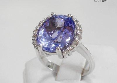 Gioiello per lei - Anello in oro bianco con Tanzanite e diamanti
